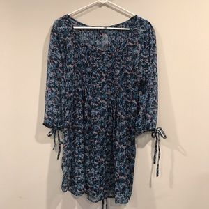 CHARLOTTE RUSSE SHEER BLOUSE WITH FUN PRINT